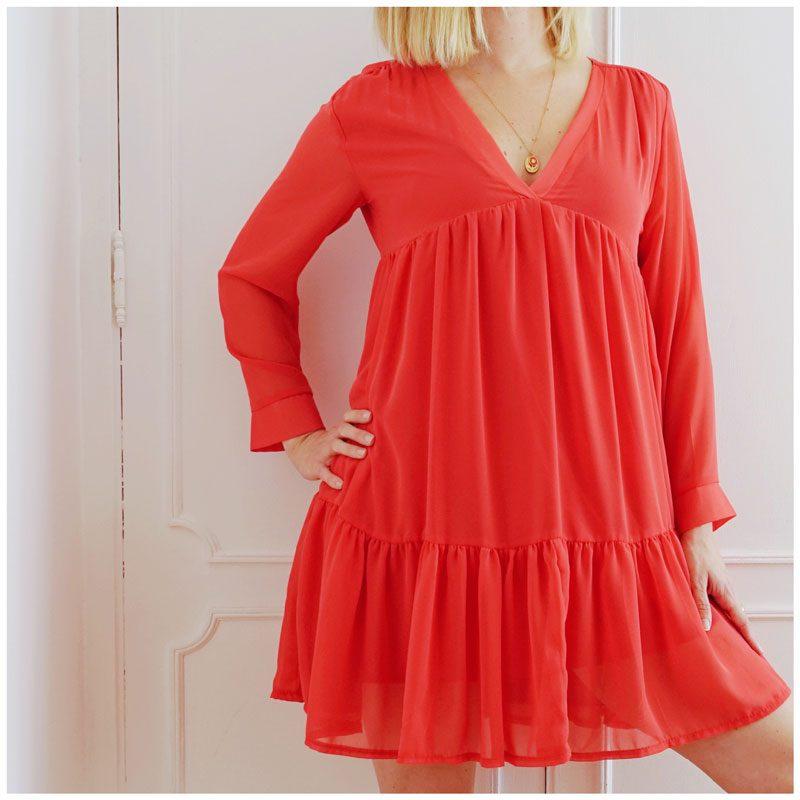 Robe sexy, glamour, légère et tendance. Coloris rouge coquelicot.