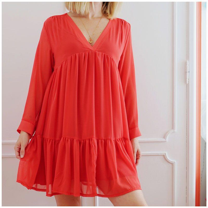 Robe Inès glamour, légère et ample. Coloris rouge coquelicot.