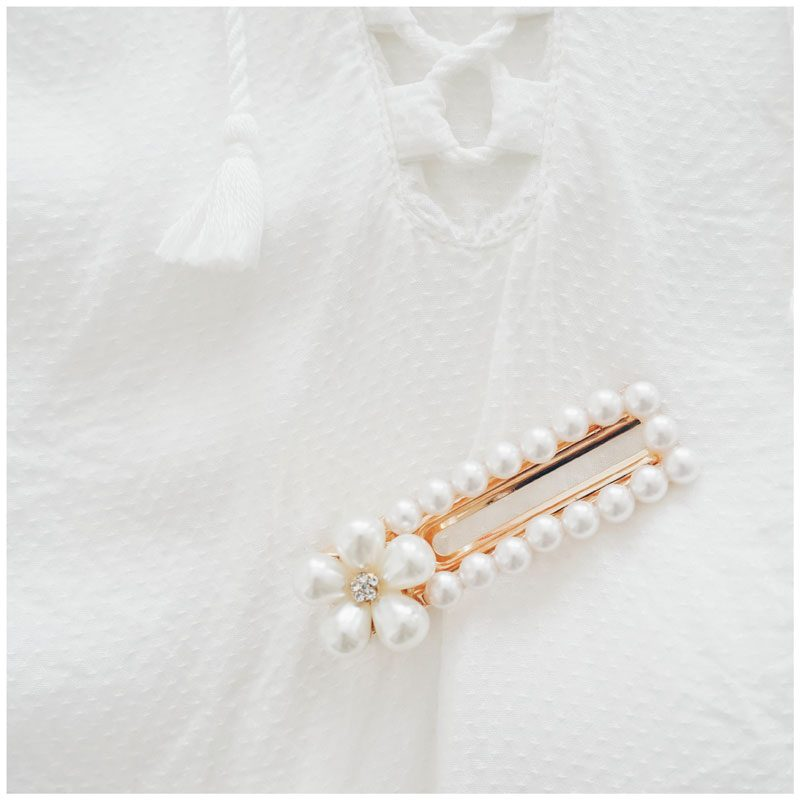 barrette à perles blanches forme rectangulaire