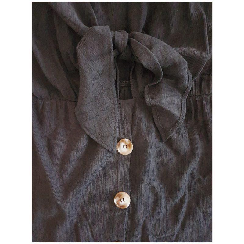 Robe Sahara couleur noire, détails