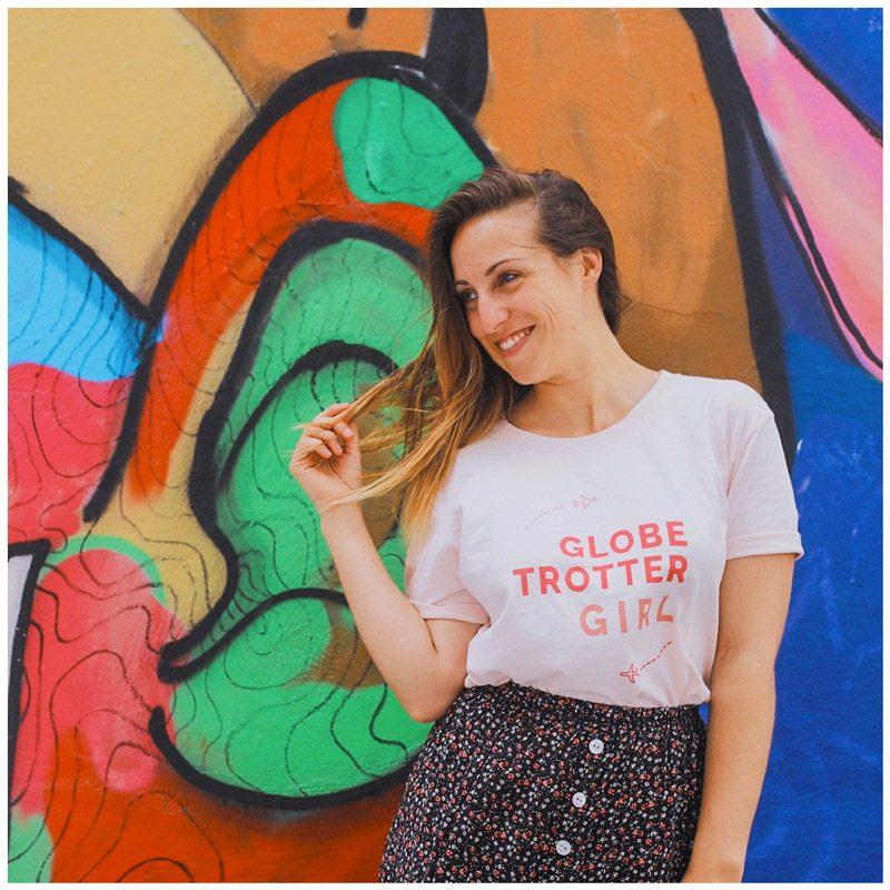 My_tasty_travel porte le t-shirt globetrotter girl pendant son tour du monde. Perfect gift for traveller girl