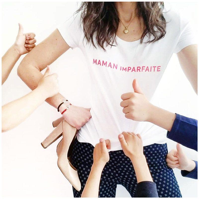 T-shirt maman imparfaite porté par Annayouandme