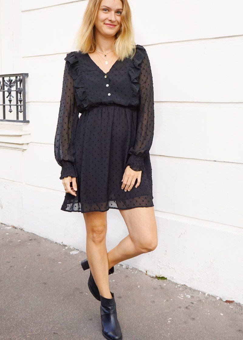 Robe noire Vicky, petite robe noire tendance, avec volants