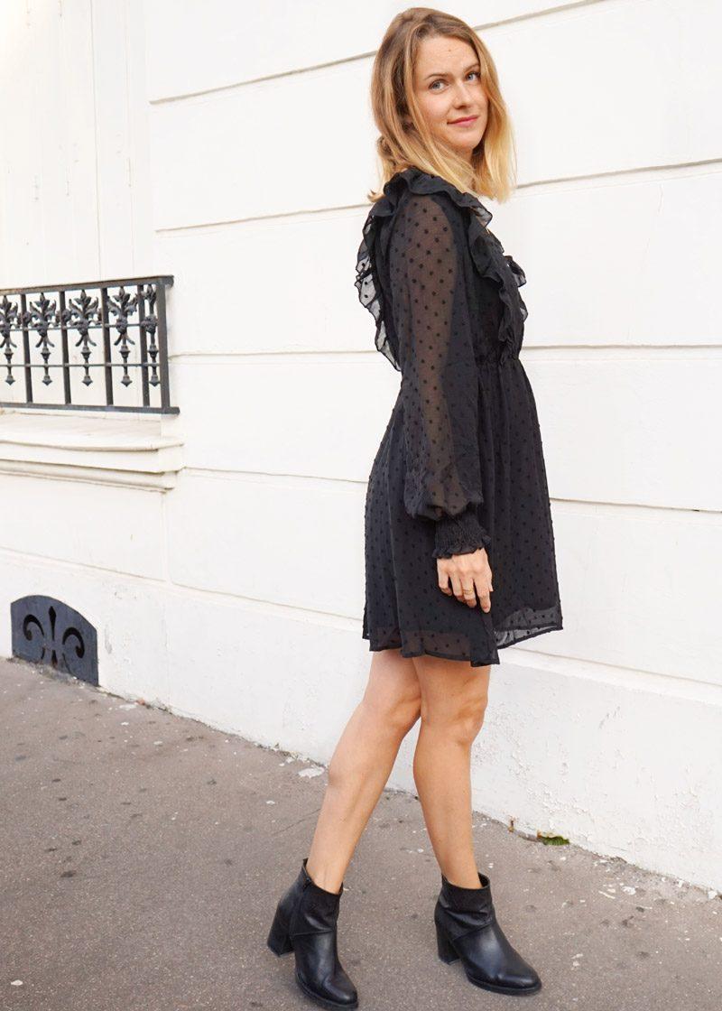 Petite robe noire à avoir dans son dressing, pièce essentielle et intemporelle