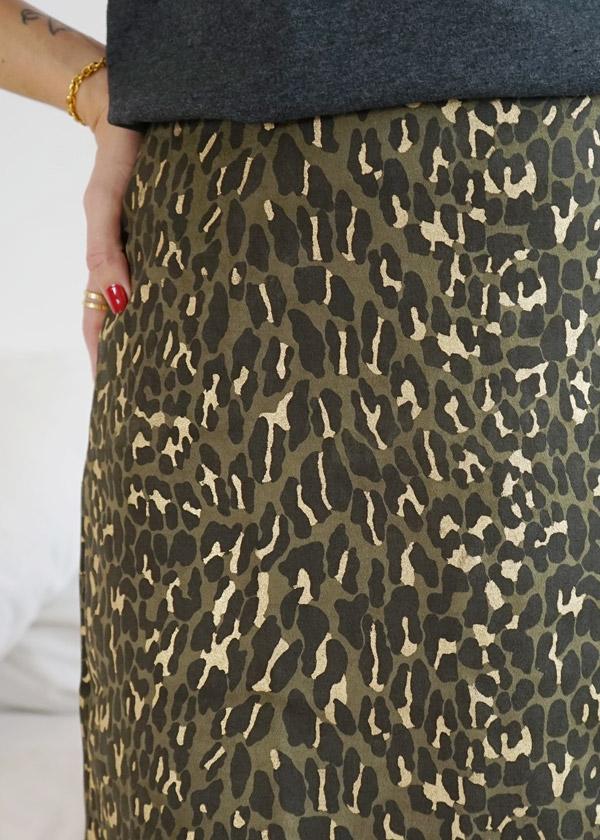 Jupe courte vert kaki et doré