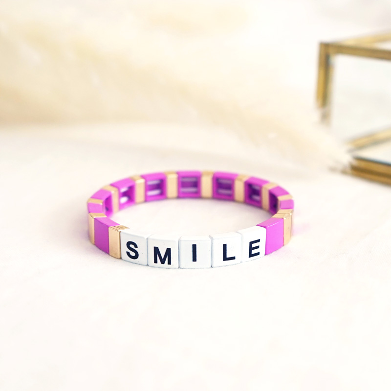 Bracelet à message smile à la couleur rose fushia