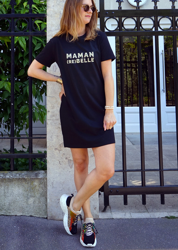 Robe t-shirt noire à message maman rebelle