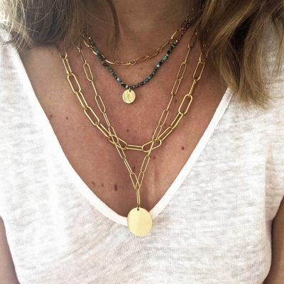 collier doré multi rang avec quatre rangs