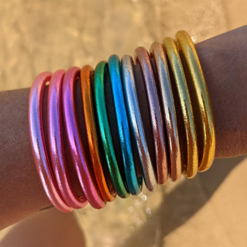Bracelet jonc bouddhiste doré, rose, argenté, rose Maia et Zoé