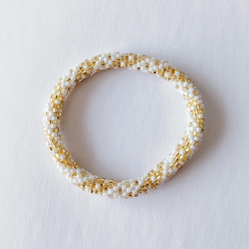 Bracelet népalais blanc et doré - Maia et Zoé
