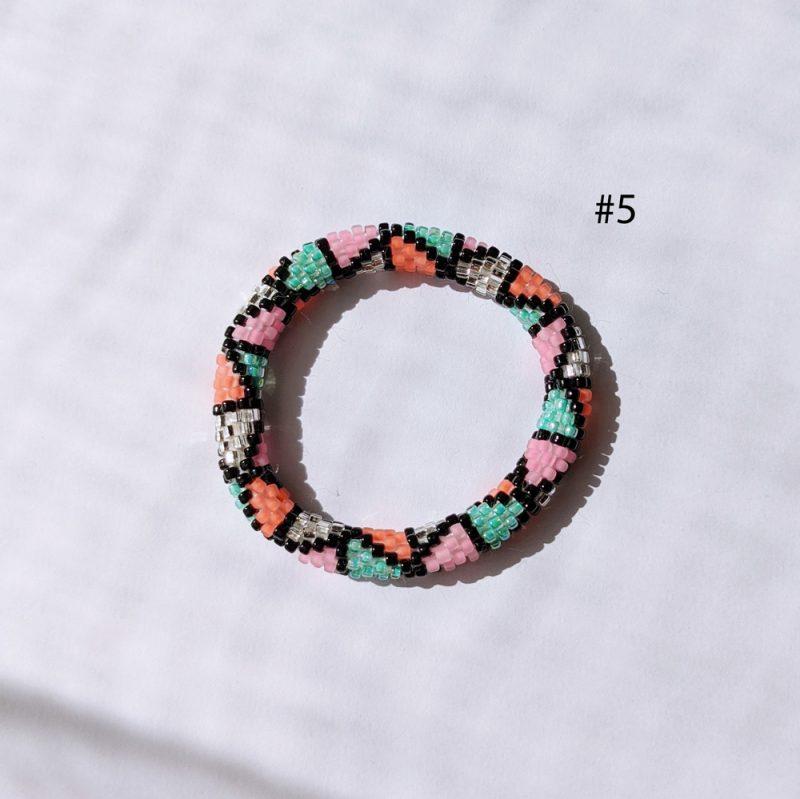 Bracelet népalais pour enfant en perle de verre aztèque