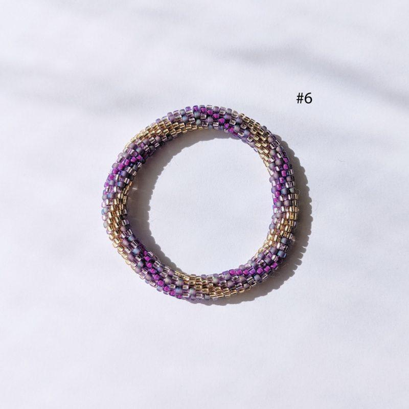 Bracelet népalais pour enfant en perle de verre violet