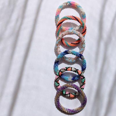 Bracelets népalais pour enfant en perle de verre